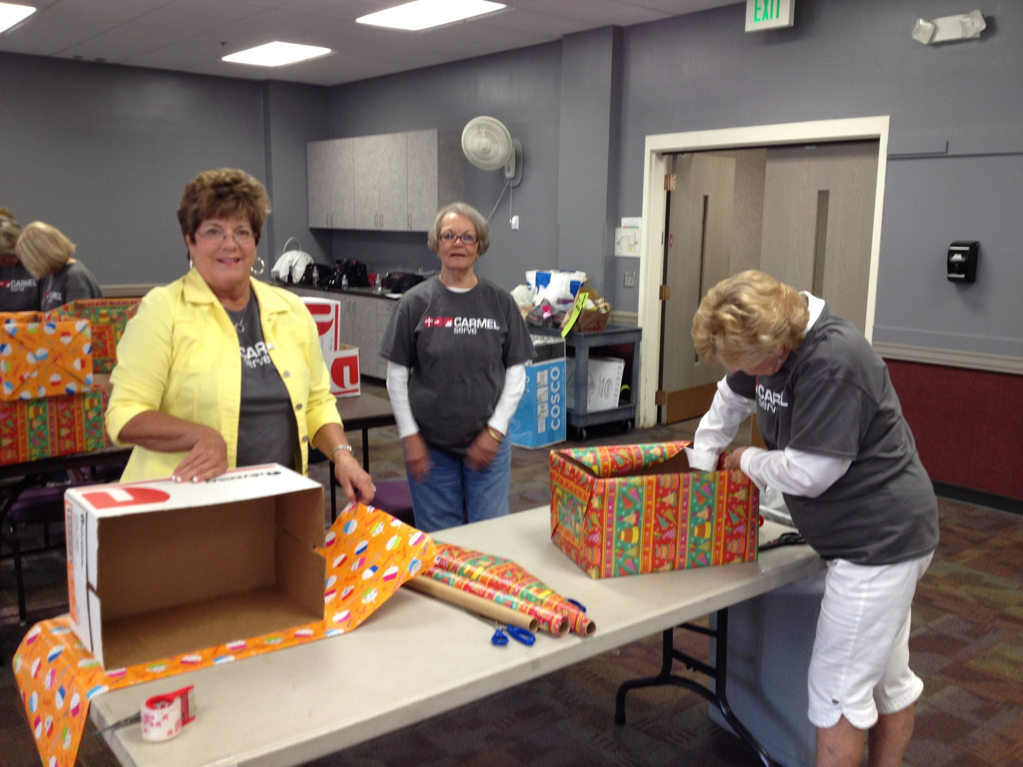 Carmel Serve_Bright_Blessings17_-_Cooper_SBSC_-_wrapping_blessing_boxes